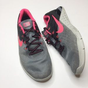 Nike metcon 3 tennis shoes Gray neon pink 11